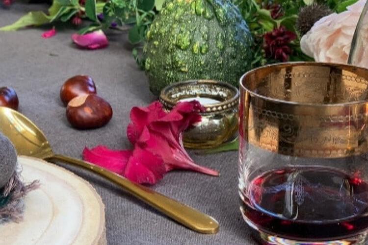 An elegant Autumn supper table