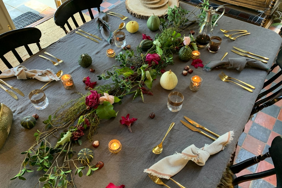 How to create an autumn table centre